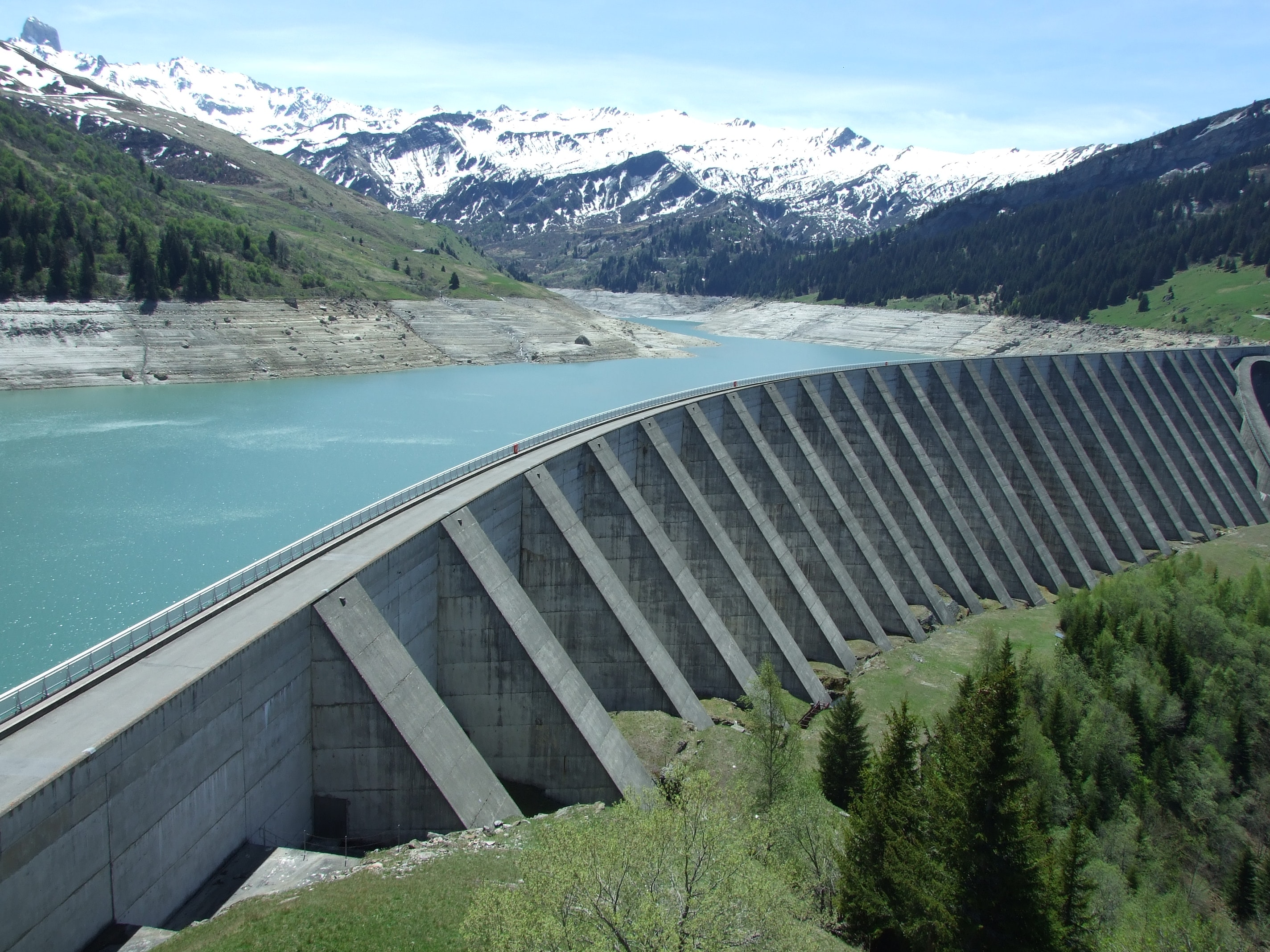 https://www.quora.com/What-is-a-tailrace-in-relation-to-a-hydro-power-plant