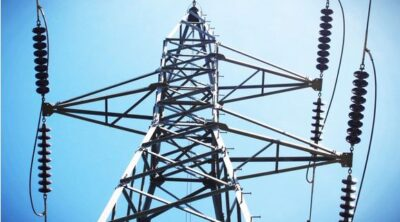 Insulator in the transmission line