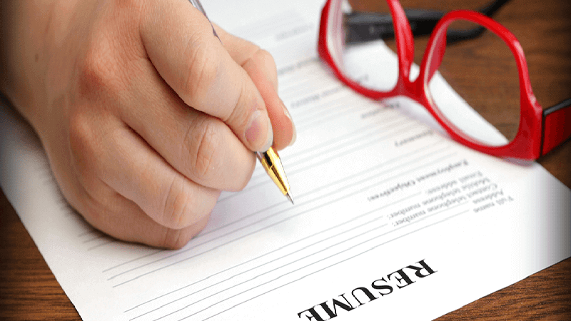 Why Should You Hire Resume Writing Services In India?