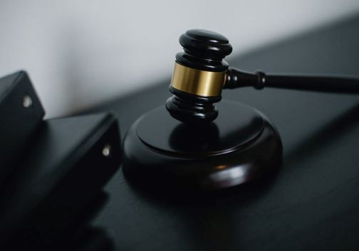 DISCOVER FEW DIFFERENCES BETWEEN CIVIL AND CRIMINAL LAW