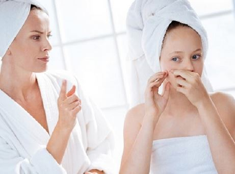 Avoid these skincare mistakes that cause acne