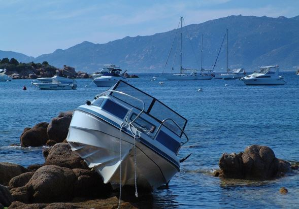 The First Things to Do After a Boat Crash