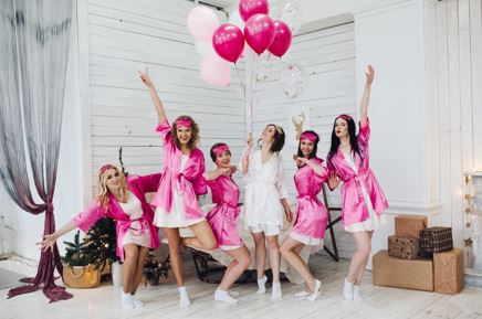 5 Things to Put In Your Bachelorette Party Gift Bag