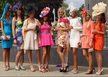 What to Wear When Attending Horse Racing Events