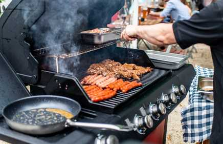 6 Benefits of Using a Gas Grill