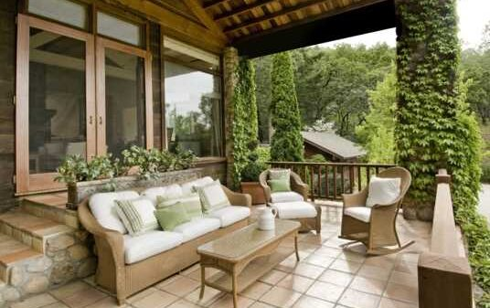 The Types of Yard Furniture Material That Really Last