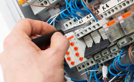 Top Signs You Should Upgrade Your Electrical Panel At Home