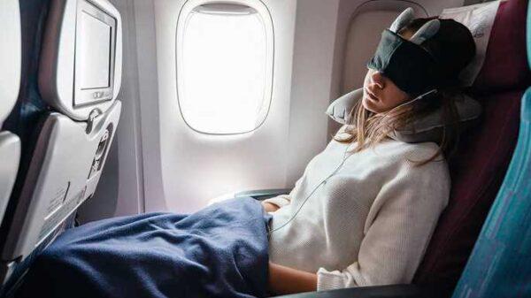 5 Best Travel Gadgets for Long Flights