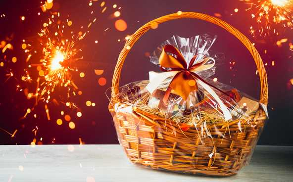 9 Fashionable & Premium Diwali Gift Hampers