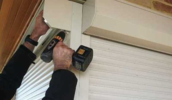 How to service roller shutters